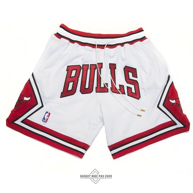 Maillot NBA Pas Cher - Short Basket Chicago Bulls Nike Retro Blanc 2018